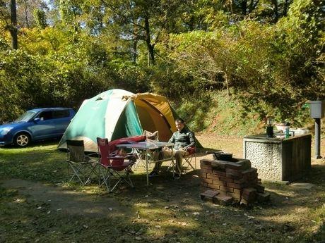 休暇村 帝釈峡でキャンプを楽しむ男性