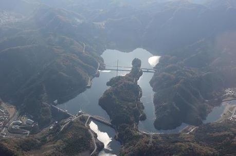 西秩父桃湖の上空風景
