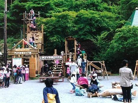 アメリカキャンプ村のアスレチックの写真