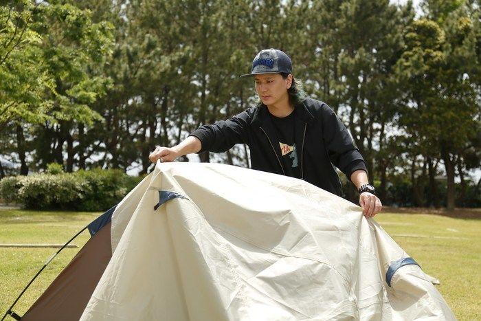 食っ テント キャンプ て 寝る で ひとり