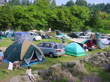 三日月の滝温泉キャンプ場の様子