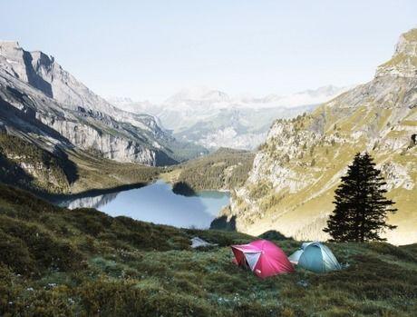 岩山でのキャンプの写真