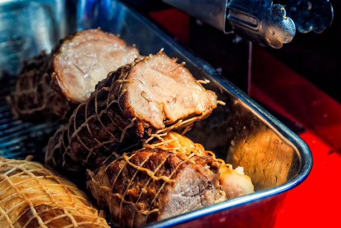 タコ糸で縛られた肉