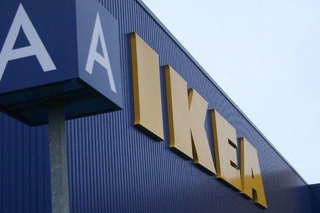 IKEAの看板の画像