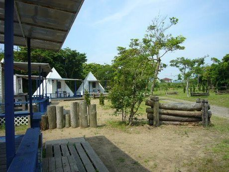 九十九里浜シーサイドオートキャンプ場のバンガローの様子