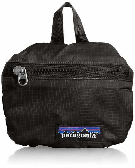 パタゴニア 黒のボディバッグ