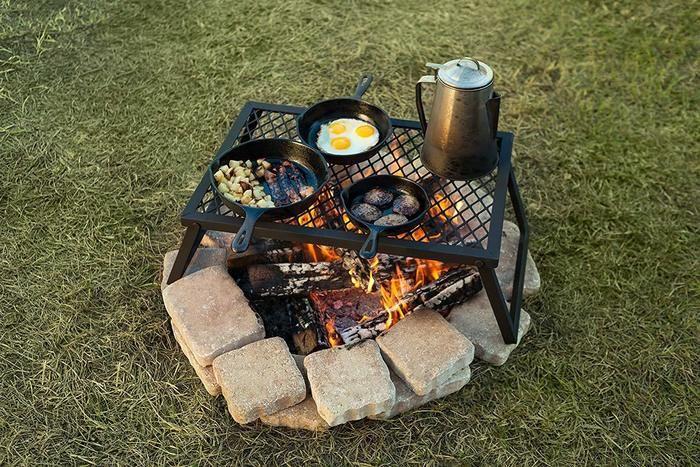 Amazonベーシックのキャンプファイヤーグリル