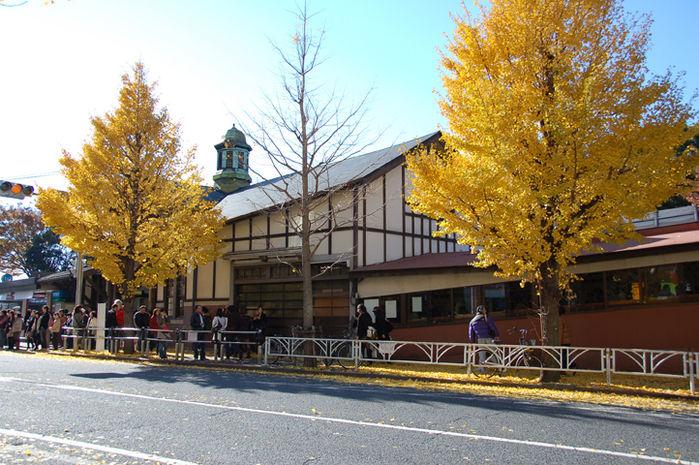 原宿駅前の様子