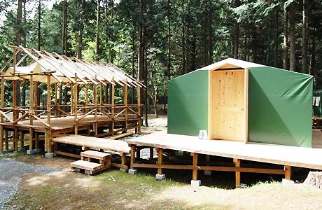 キャンプリゾート森のひとときのデッキハウス