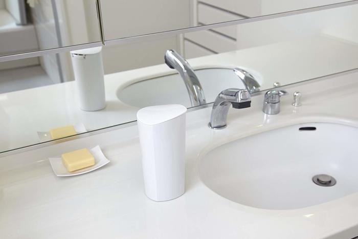 洗面台の脇に置いてあるティッシュケース