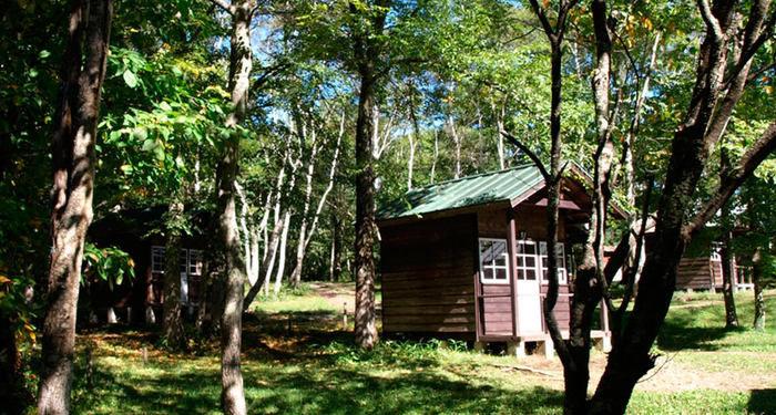 戸隠キャンプ場のコテージの写真