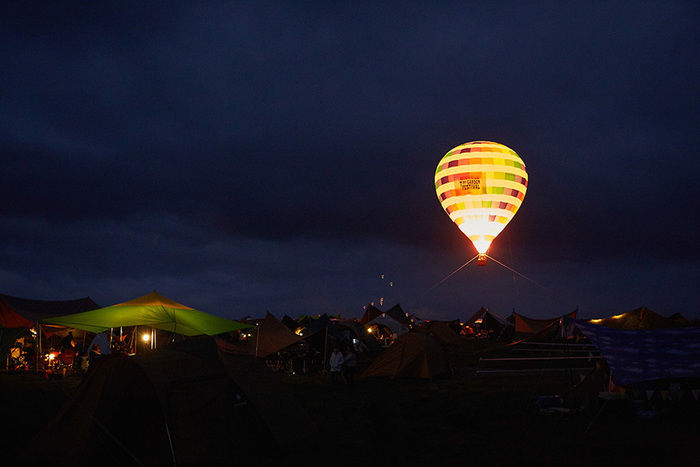 タイニーガーデンフェスティバル2019のアクティビティ「熱気球体験」