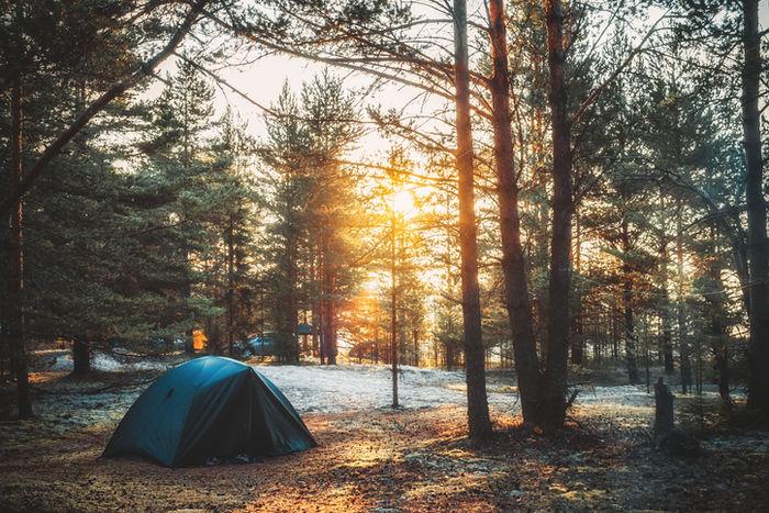 日没のテントサイトの写真