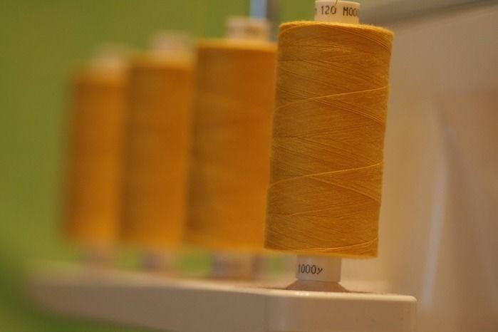 ポリエステルの糸