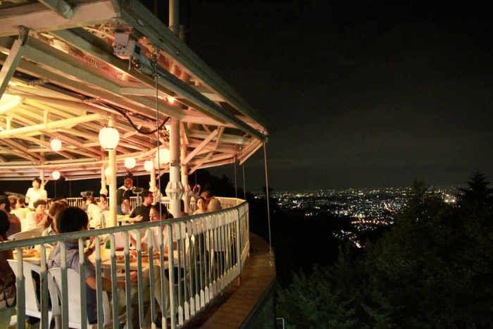 高尾山ビアマウントからの夜景の写真