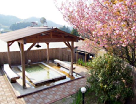 七里川温泉の露天風呂