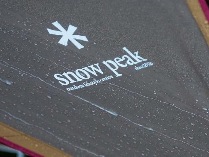 スノーピークのロゴアップ