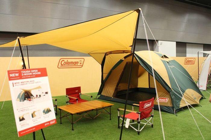 コールマンのテントとタープの写真