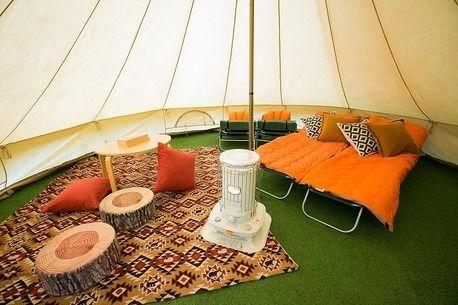 FLORRA campsiteのグランピングテントの内装