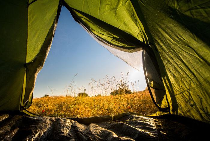 テントの中からの眺めの写真