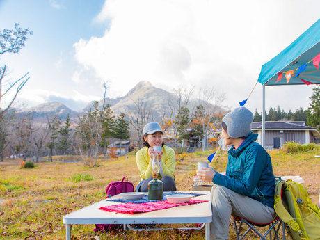 休暇村大山でキャンプを楽しむ人