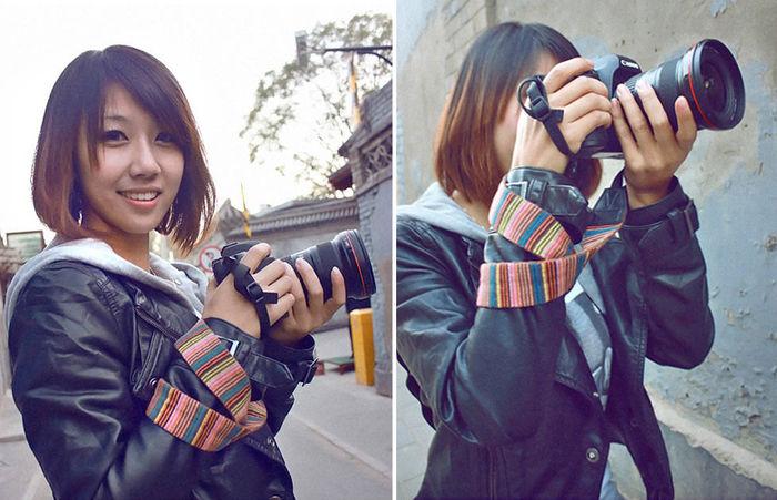 カメラストラップを変えたカメラを持った女性