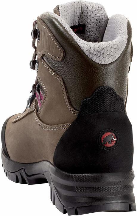 マムートの登山靴