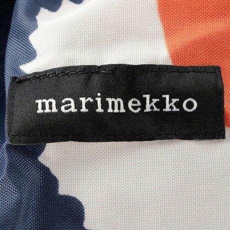 マリメッコのリュックのロゴ