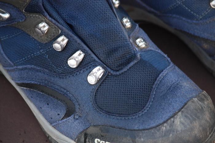 水が染み込んでしまう靴