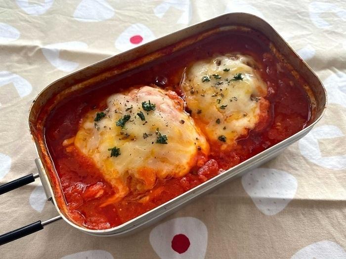 冷凍焼きおにぎりのトマトチーズ煮込み