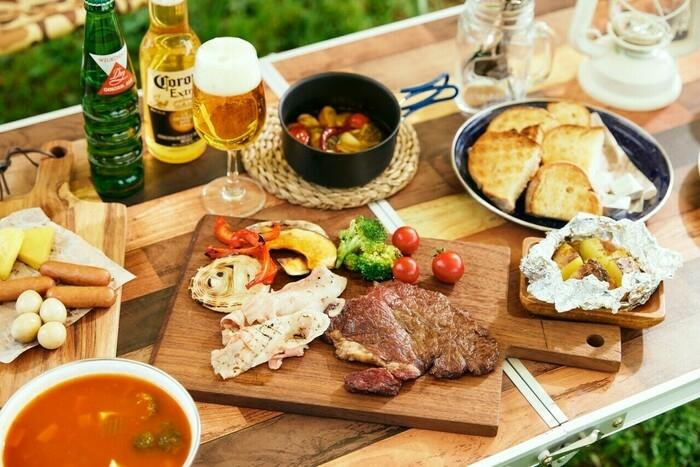 バーベキューの食卓