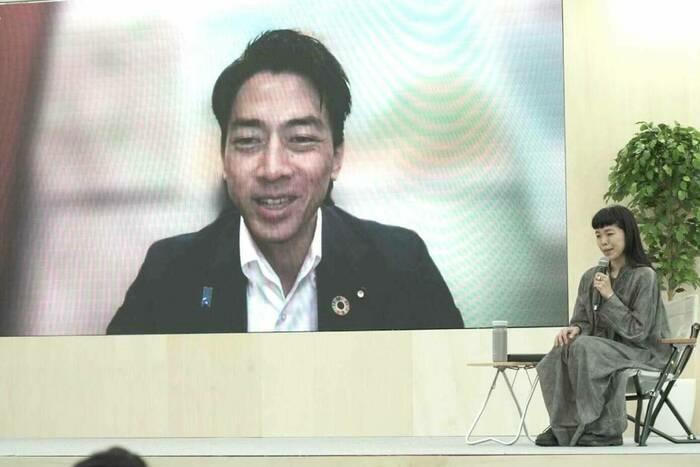 小泉進次郎環境相とオンライン対談する山井社長