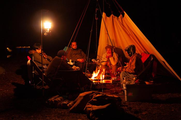 キャンプを楽しむピーターパンキャンパーズのメンバー