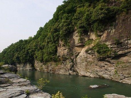 長瀞の川辺