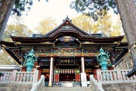 三峯神社の外観