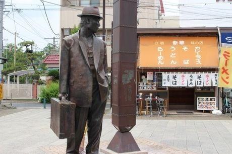 「寅さん」の像