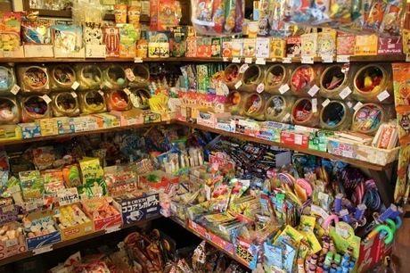 駄菓子屋さんの店内