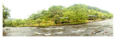 遊水峡キャンプ場の川
