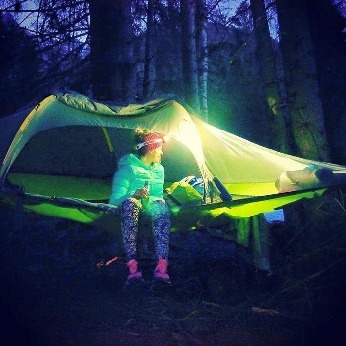 夜のテントサイルの様子