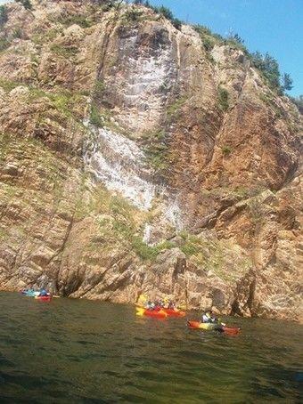 外海の断崖絶壁