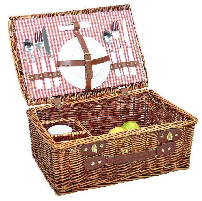 籐のピクニックバスケット
