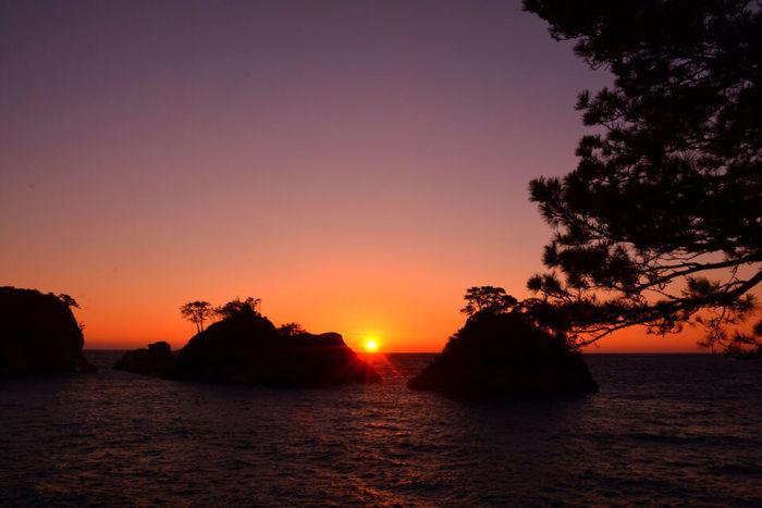 堂ヶ島の夕日と海