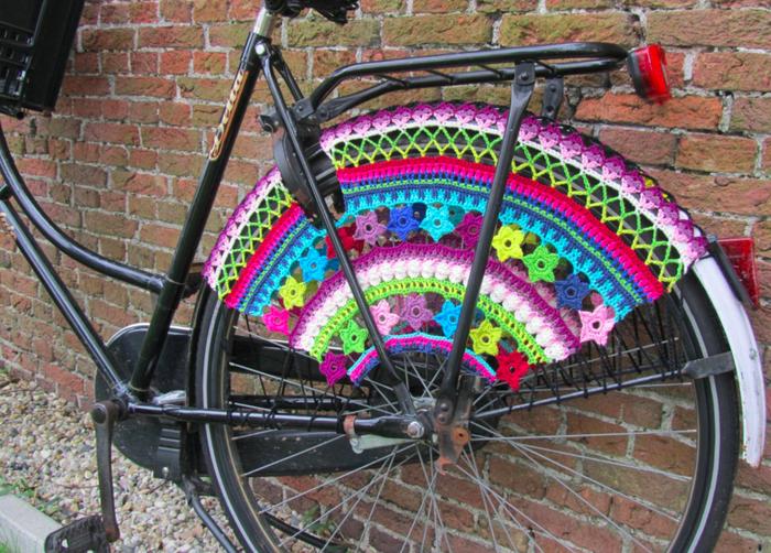 スカートやコートの巻き込み防止グッズをつけた自転車