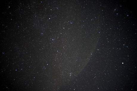 山小屋から見える満点の星空