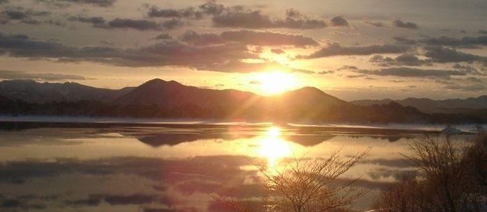 (福島県)桧原西湖畔オートキャンプ場からみえる夕陽
