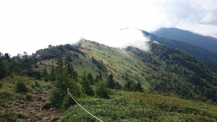 霧のかかった大菩薩嶺