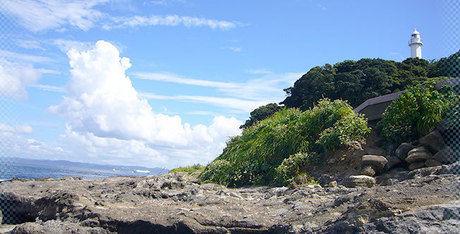 観音崎公園の灯台と海の景色