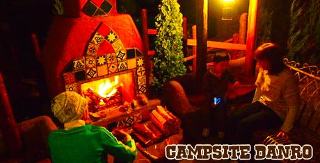 炎を見て・楽しむ事が出来るキャンプ・アンド・キャビンズの暖炉