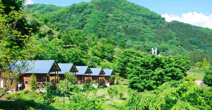 大自然と一体化を感じられるまほーばの森の山小屋コテージ