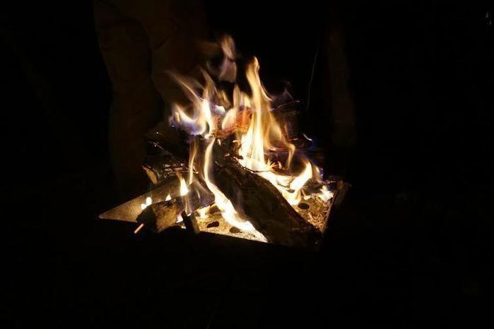 道志の森キャンプ場での焚き火